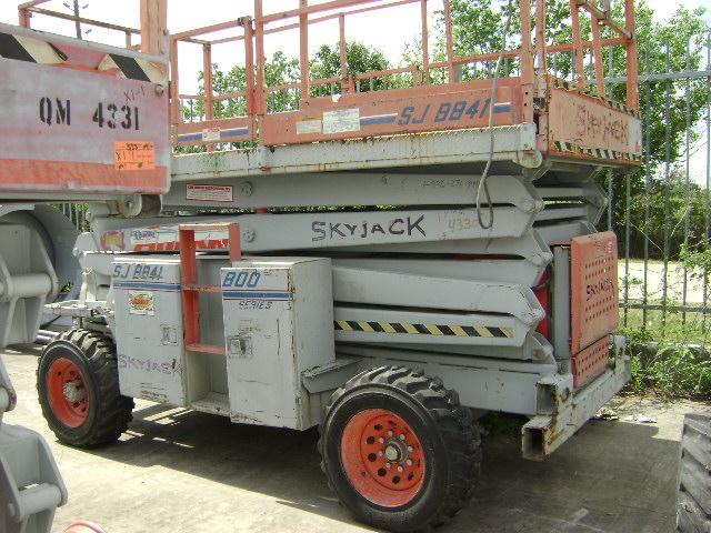 SKYJACK SKYJACK 8841 2WD Gen Set