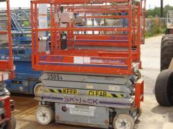 SKYJACK 3219 scissor lift