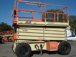 JLG 330CRT