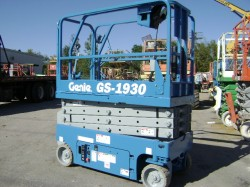 GENIE 1930 electric compact scissorlift
